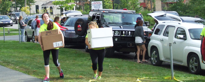 Pitt-Johnstown Move-In Crew is always helpful on move-in day